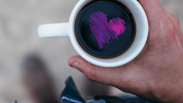 kawa we filiżance